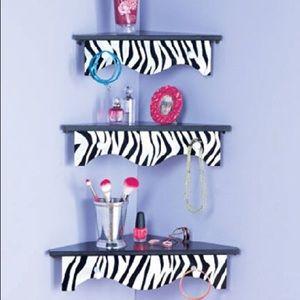 Set of 3 Zebra Wooden Corner Shelves